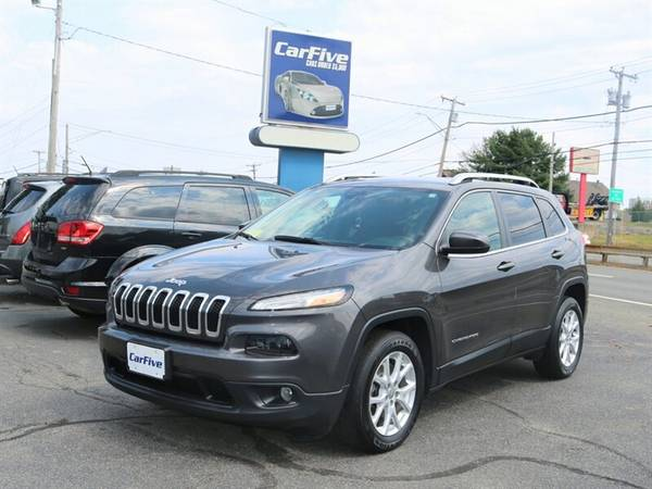2017 Jeep Cherokee Latitude - BLUETOOTH - BACK UP CAMERA & MORE for sale in Salem, MA