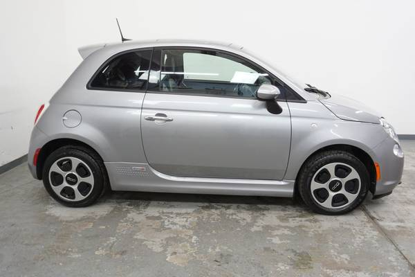 2016 FIAT 500e Electric Power Sunroof - New Tires - 112 MPGe - Super... for sale in Boulder, CO – photo 7