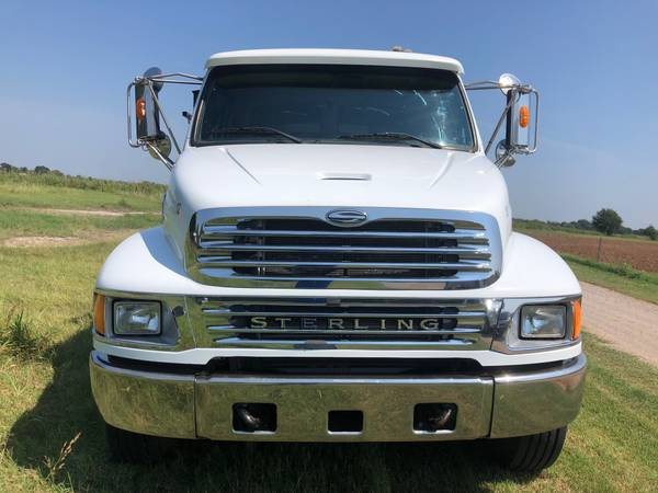 2008 STERLING ACTERRA DAY CAB WITH 25FT FLATBED *140K MILES* for sale in Stratford, MO – photo 2
