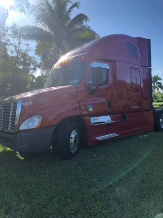 Freightliner for sale in Miami, FL – photo 2