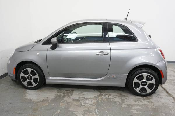 2016 FIAT 500e Electric Power Sunroof - New Tires - 112 MPGe - Super... for sale in Boulder, CO – photo 8