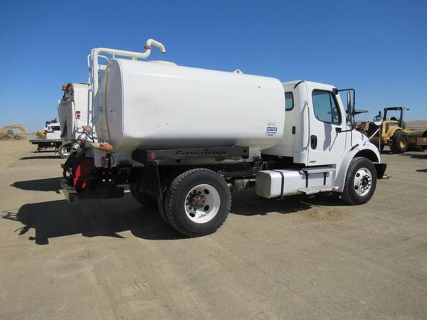2007 Freightliner M2 Business Class Water Truck for sale in Coalinga, CA – photo 2